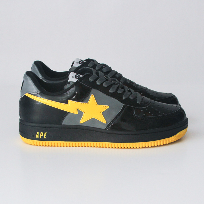 "05cbf966d8aa A Bathing Ape X DC Comics ""Batman"" Bapestas"